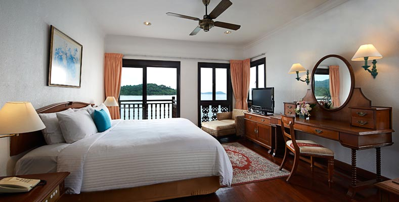 Berjaya Langkawi Resort - One Bedroom Suite on Water - Room Interior
